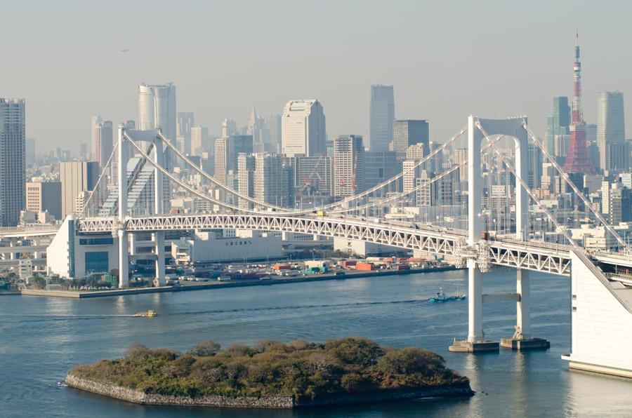 フリー写真 レインボーブリッジと東京都の街並み