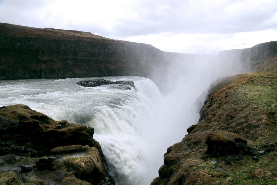 フリー写真 アイスランドのグトルフォスの滝の風景