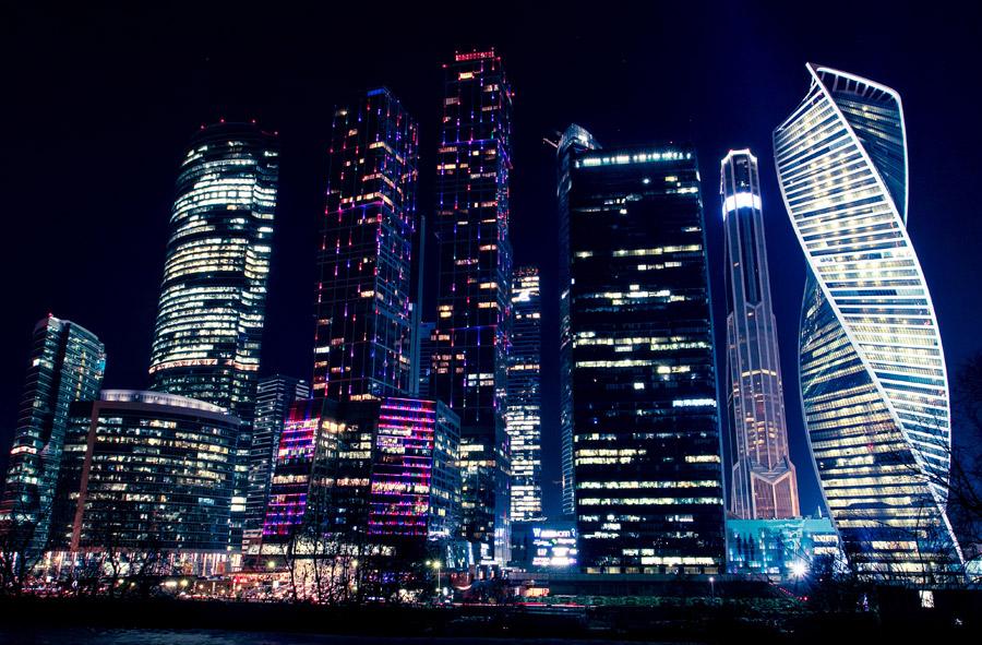 フリー写真 モスクワ・シティの夜景風景