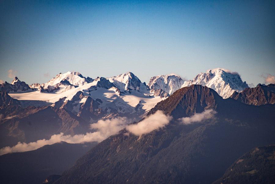フリー写真 スイスのアルプス山脈の風景