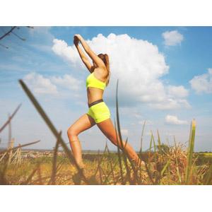 フリー写真, 人物, 女性, 外国人女性, 運動, フィジカルトレーニング, 体操, ストレッチ