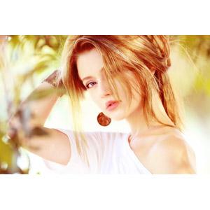 フリー写真, 人物, 女性, 外国人女性, ドイツ人, 女性(00190), 金髪(ブロンド), 頭に手を当てる