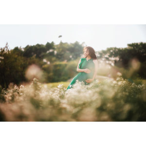 フリー写真, 人物, 女性, アジア人女性, ベトナム人, お母さん(母親), 妊娠, 妊婦, 人と風景, 花畑
