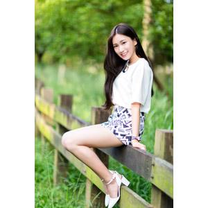 フリー写真, 人物, 女性, アジア人女性, 楚珊(00053), 中国人, 柵(フェンス), ショートパンツ