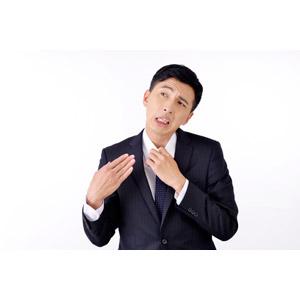 フリー写真, 人物, 男性, アジア人男性, 日本人, 男性(00016), 職業, 仕事, ビジネス, ビジネスマン, サラリーマン, メンズスーツ, 白背景, 暑い, 夏