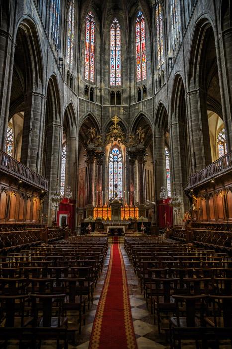 フリー写真 ナルボンヌ大聖堂の内観風景