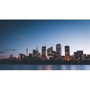 フリー写真, 風景, 建造物, 建築物, 高層ビル, 都市, 街並み(町並み), 日暮れ, オーストラリアの風景, シドニー, シドニー・タワー