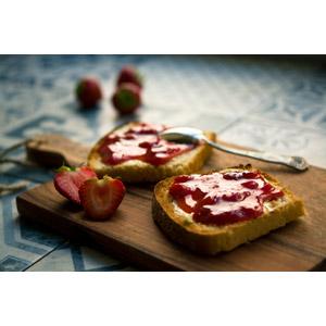 フリー写真, 食べ物(食料), パン, 食パン, 果物(フルーツ), 苺(イチゴ), ジャム