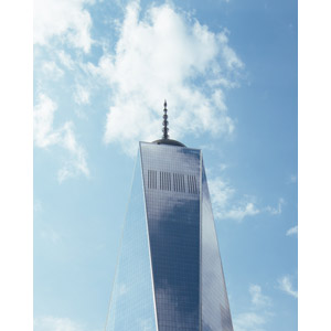 フリー写真, 風景, 建造物, 建築物, 高層ビル, ワン・ワールドトレードセンター, アメリカの風景, ニューヨーク, 青空, 雲