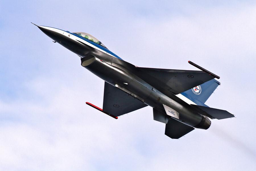 フリー写真 ノルウェー軍のF-16戦闘機