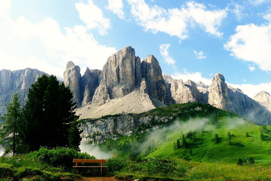 フリー写真 ドロミテ山脈の風景