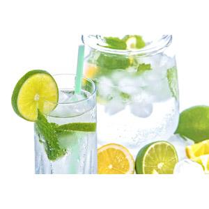 フリー写真, 飲み物(飲料), フレーバーウォーター, ライム, 飲料水, ハーブ, 果物(フルーツ)