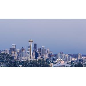 フリー写真, 風景, 建造物, 建築物, 塔(タワー), スペースニードル, 高層ビル, 都市, 街並み(町並み), 日暮れ, アメリカの風景, ワシントン州, シアトル