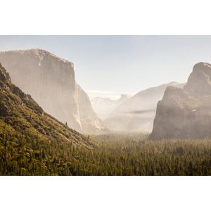 フリー写真, 風景, 自然, 霧(霞), 渓谷, ヨセミテ国立公園, カリフォルニア州, アメリカの風景, 世界遺産, 岩山