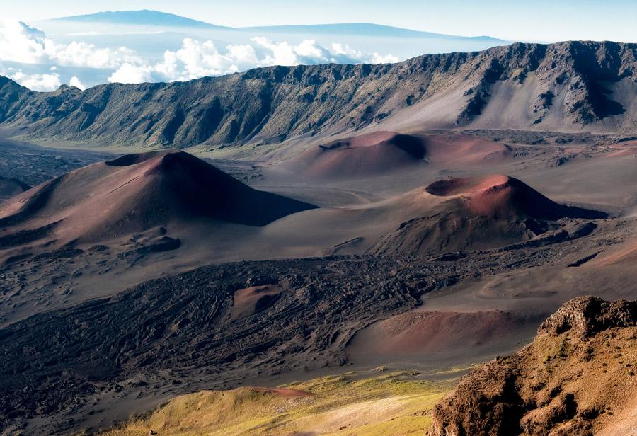フリー写真 ハレアカラ火山の山頂のハレアカラ・クレーターの風景
