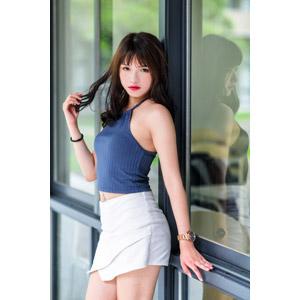 フリー写真, 人物, 女性, アジア人女性, 女性(00269), 中国人, 髪の毛を触る, ミニスカート