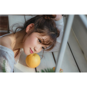 フリー写真, 人物, 女性, アジア人女性, ベトナム人, 女性(00202), 果物(フルーツ), オレンジ