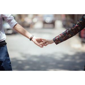 フリー写真, 人体, 手, カップル, 恋人, 手をつなぐ, 愛(ラブ)
