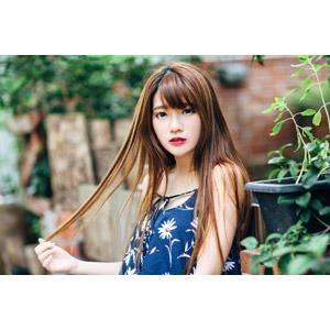 フリー写真, 人物, 女性, アジア人女性, 欣欣(00001), 中国人, 髪の毛を触る, セーター(ニット)