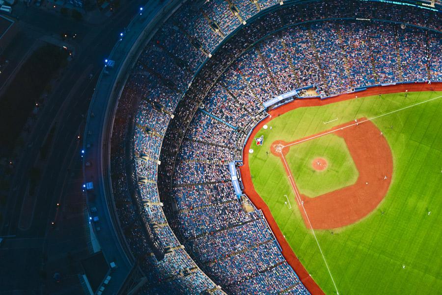 フリー写真 野球の試合中のロジャーズ・センター