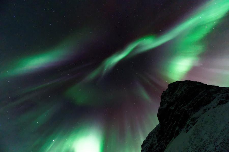フリー写真 アイスランドで見るオーロラの風景