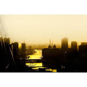 フリー写真, 風景, 建造物, 建築物, 港, 霧(霞), 河川, 朝焼け, クレーン, オーストラリアの風景
