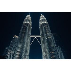 フリー写真, 風景, 建造物, 建築物, ペトロナスツインタワー, マレーシア, 高層ビル, 夜, 夜景